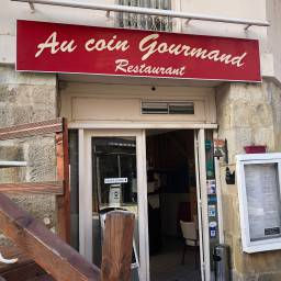 Logo au coin gourmand